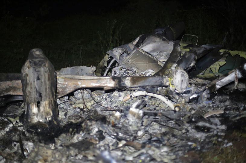 Szczątki zestrzelonegop przez członków gangu policyjnego śmigłowca /AFP