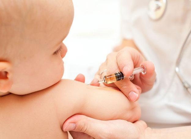 Szczepionki uodporniające to preparaty, których zadaniem jest pobudzić układ odpornościowy dziecka /© Panthermedia