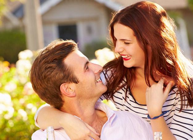 Szczęście i miłość sprawią, że będziesz wyglądała młodziej /©123RF/PICSEL