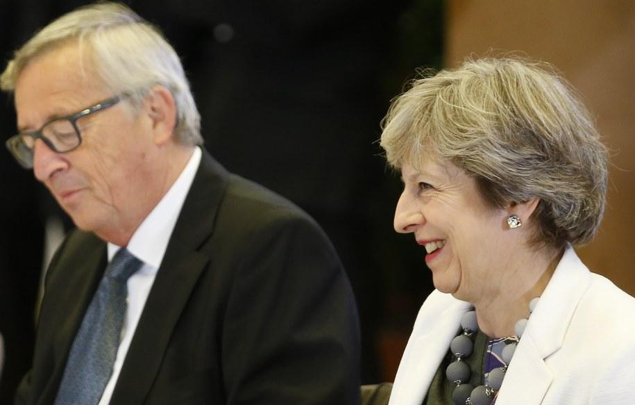 Szef Komisji Europejskiej Jean-Claude Juncker i premier Wielkiej Brytanii Theresa May /JULIEN WARNAND /PAP/EPA