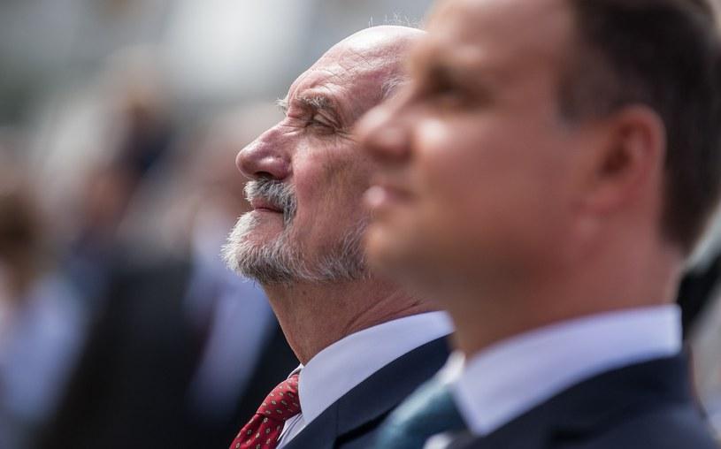 Szef MON Antoni Macierewicz i prezydent Andrzej Duda /Bartosz Krupa /East News