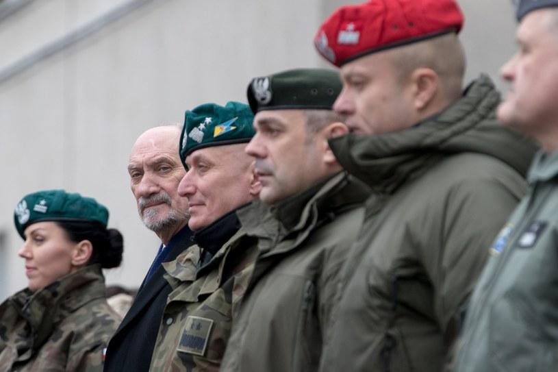 Szef MON Antoni Macierewicz /Andrzej Iwańczuk /Reporter