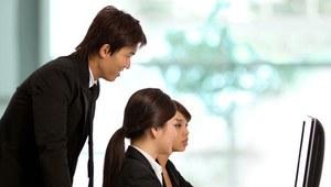 Szef może unieszczęśliwić pracownika