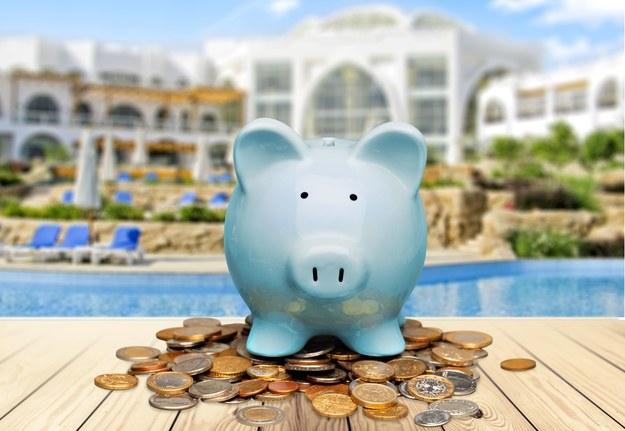Szef nie zawsze dopłaci do wakacji pracownika /123RF/PICSEL