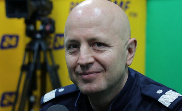 Szef policji: Nie stoimy w krzakach. Liczba wystawionych mandatów jest dla mnie nieistotna