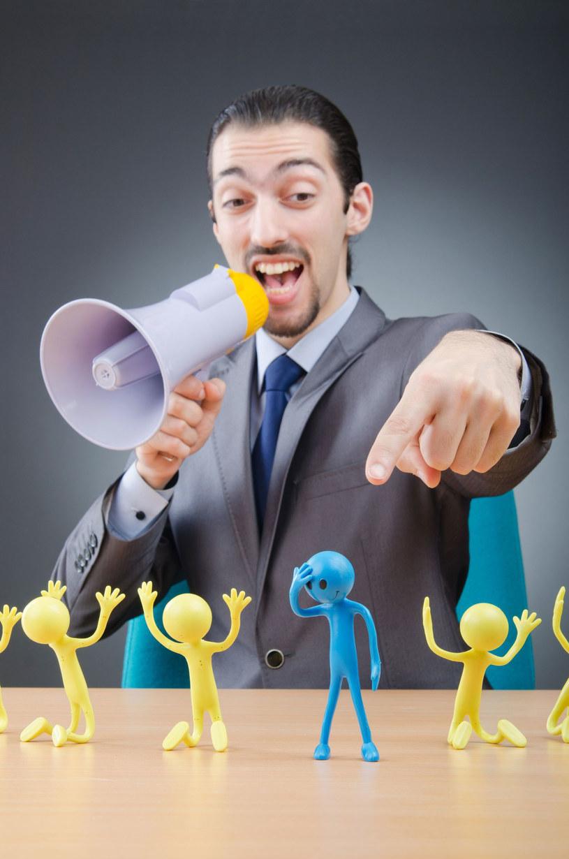 Szef traktuje cię z pogardą? Umniejsza twoje zasługi. Pewnie jest... narcyzem! /©123RF/PICSEL