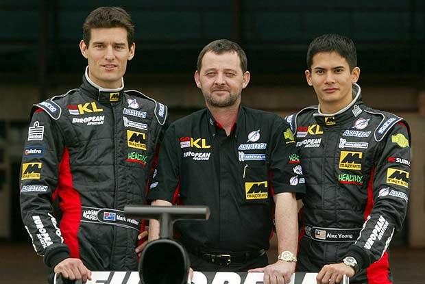 Szef zespołu, Paul Stoddard oraz kierowcy, Mark Webber i Alex Yoong (kliknij) /INTERIA.PL