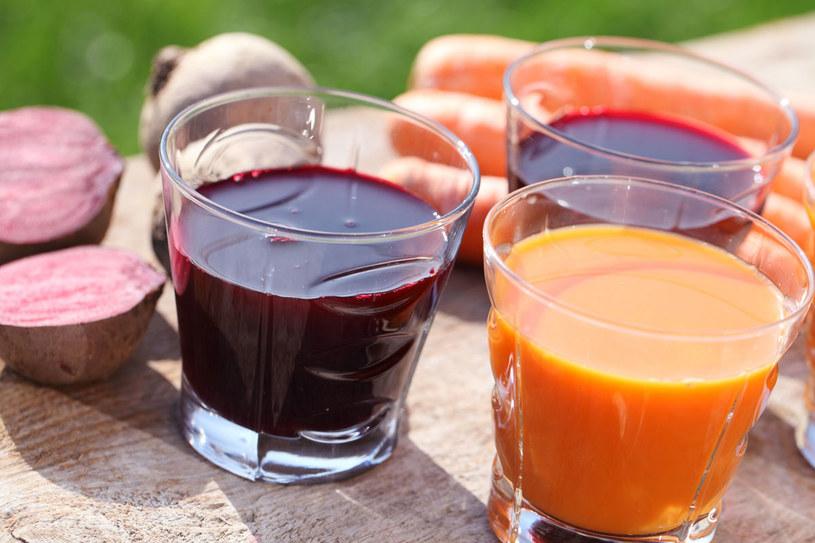Szklanka surowego soku z buraka 2 razy w tygodniu to doskonały sposób na oczyszczanie wątroby /©123RF/PICSEL