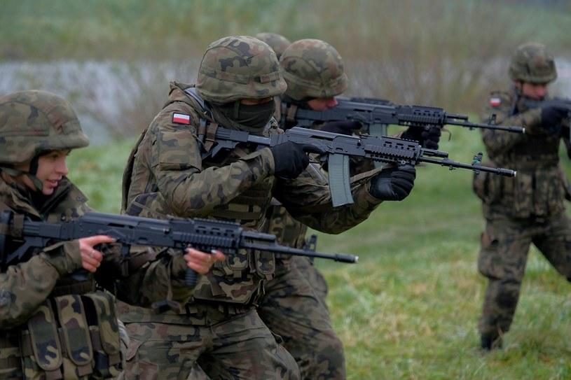 Szkolenie ogniowe żołnierzy WOT, prowadzone w Jarosławiu /Łukasz Solski /East News