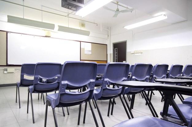 Szóstoklasiści już 1 kwietnia przystąpią do oficjalnego egzaminu /123RF/PICSEL