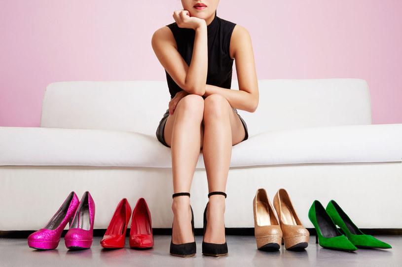 Szpilka czy obcas? Takie buty musisz dobrać do swojej sylwetki! /©123RF/PICSEL