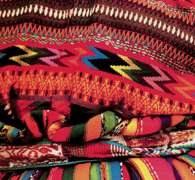 Sztuka Ameryki Łacińskiej: tradycyjne tkaniny gwatemalskie /Encyklopedia Internautica