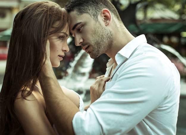 Szukasz mężczyzny na stałe? Zobacz, czego nie powinnaś przy nim robić /©123RF/PICSEL
