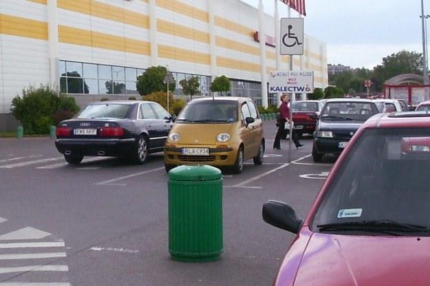 Szukasz miejsca czy parkujesz na pierwszym wolnym? /INTERIA.PL