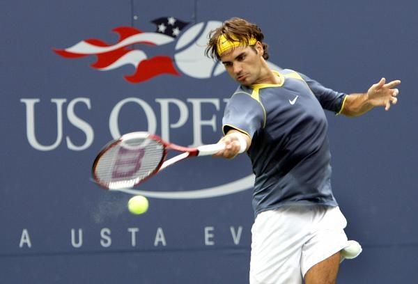 Szwajcar Roger Federer bez trudu awansował do drugiej rundy US Open /AFP