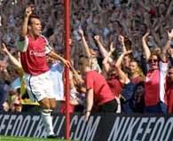 Szwed Ljungberg - jeden ze strzelców bramek dla Arsenalu