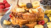 Szybkie i słodkie śniadanie – francuskie tosty z owocami