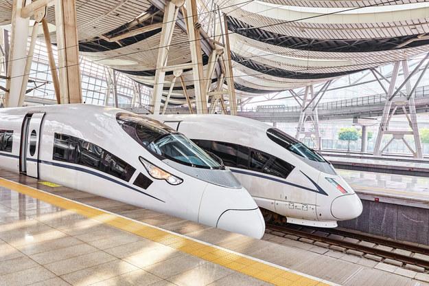 Szybkie pociągi w Chinach /123/RF PICSEL