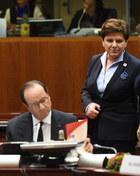 """Szydło spotkała się z Hollande'em. """"Zgodziliśmy się, że trzeba uspokoić sytuację"""""""