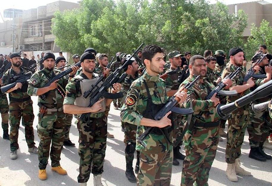 Szyiccy bojownicy w Bagdadzie /STR /PAP/EPA
