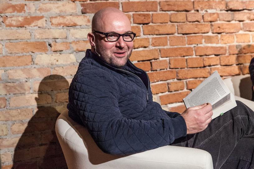 """Szymon Bobrowski czytał fragmenty """"Władcy liczb"""", fot. archiwum J.A. Baczyński /materiały prasowe"""