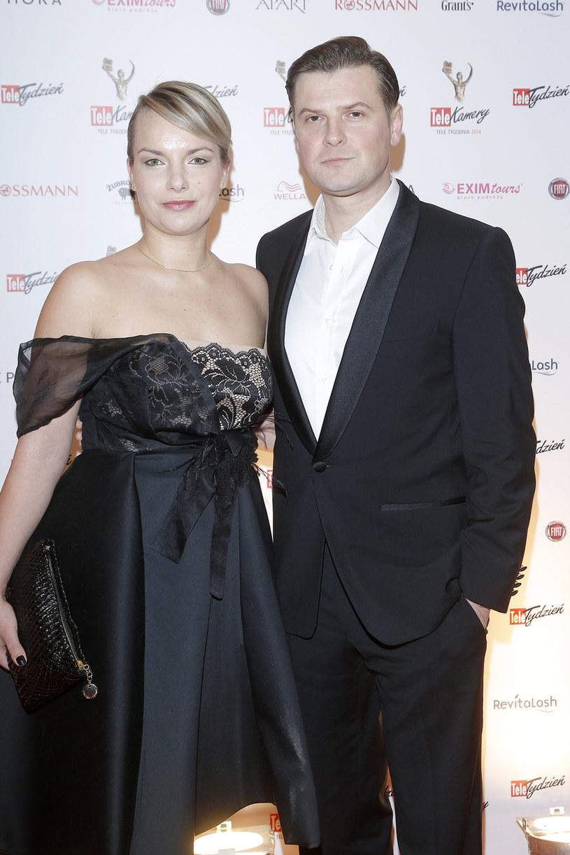 Szymon Sędrowski z żoną /AKPA