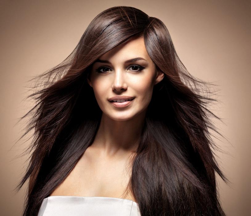 Ta płukanka pomoze twoim włosom. /123RF/PICSEL