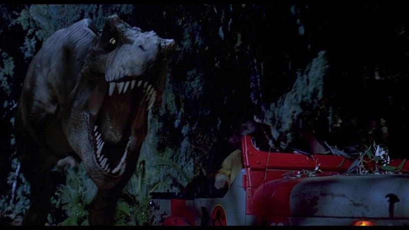 """Ta scena z """"Parku Jurajskiego"""" to czysta fikcja /materiały prasowe"""