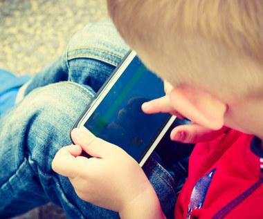 Tablet, smartfon, laptop: Jak mogą pomóc dziecku w nauce?