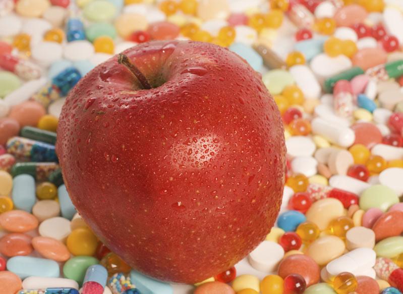 Tabletki na odchudzanie nie zastąpią zdrowego trybu życia /photogenica /© Photogenica