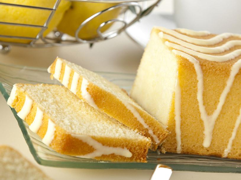Tajemnicą pysznej babki cytrynowej jest masło - nie zastępuj go margaryną  /© Panthermedia
