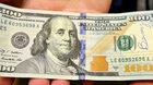 Tajemniczy filantrop: Nie wiedział jak pomóc, więc zostawił na ulicy 50 tys. dolarów