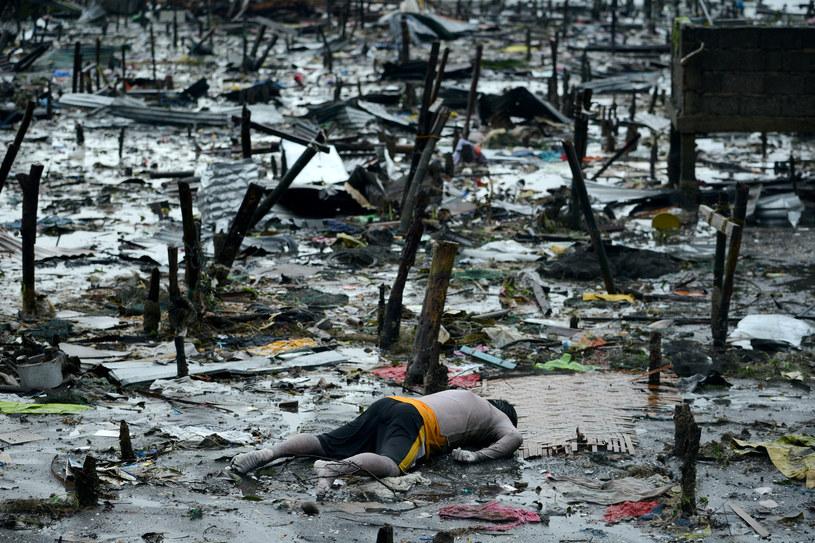 Tajfun zbiera śmiertelne żniwo /AFP