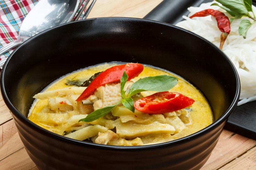 Tajska zupa z kurczakiem /123RF/PICSEL