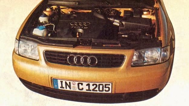 Tak będzie prezentowała się również komora silnikowa Golfa IV. Z plastikowej osłony silnika wystaje tylko bagnet służący do sprawdzania poziomu oleju w misce. /Motor