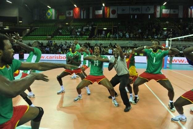 Tak cieszyli się siatkarze Kamerunu z awansu do 2. rundy mistrzostw świata /www.fivb.org