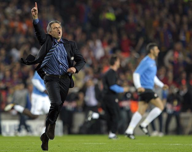 Tak Jose Mourinho cieszył się po wyleiminowaniu FC Barcelona w półfinale Ligi Mistrzów /AFP