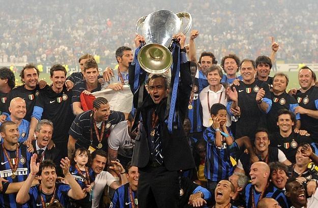 Tak Jose Mourinho fetował triumf w Lidze Mistrzów z Interem Mediolan /AFP