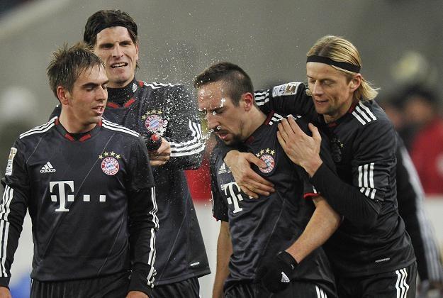Tak piłkarze Bayernu cieszyli się po golu Francka Ribery'ego /AFP