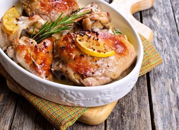 Tak przyrządzony kurczak musi robić wrażenie /©123RF/PICSEL