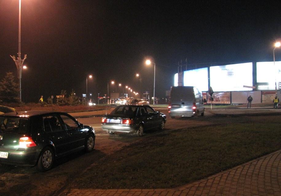 Tak w środę wieczorem wyglądały okolice remontowanego ronda /Monika Gosławska /RMF FM