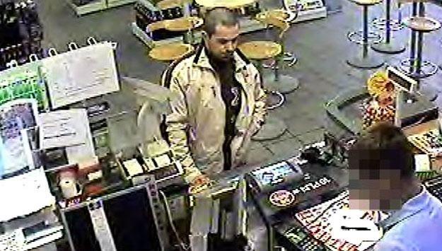 Tak wygląda mężczyzna, który napadł na stację paliw w Bytomiu /Policja