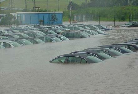 Tak wyglądają parkingi głównego zakładu produkcyjnego Skody w Mlada Boleslav (kliknij) /INTERIA.PL