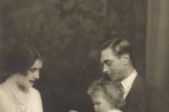 Tak wyglądała Elżbieta II, gdy miała siedem miesięcy