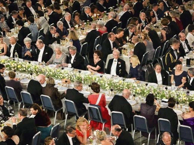 Tak wyglądała sala podczas kolacji noblowskiej /HENRIK MONTGOMERY /PAP/EPA