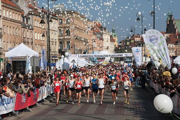 Taka atmosfera towarzyszyła 5. Półmaratonowi Warszawskiemu. /Informacja prasowa