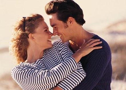 Taka forma współżycia jest szczególnie stresująca dla początkujących kochanków /INTERIA.PL