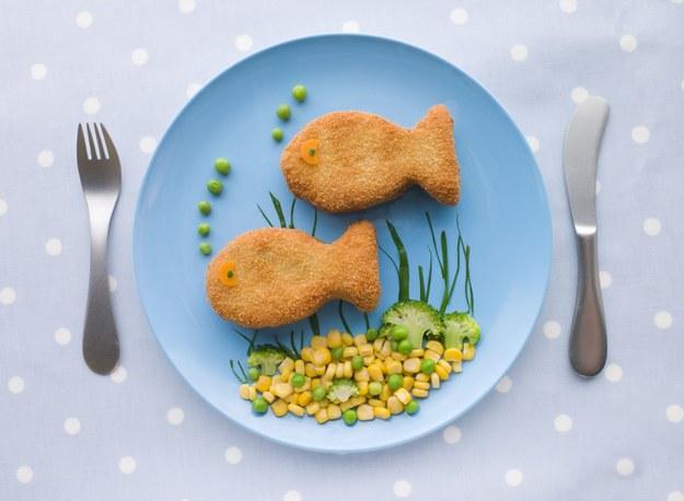 Taką rybkę dzieci chętnie zjedzą /123/RF PICSEL