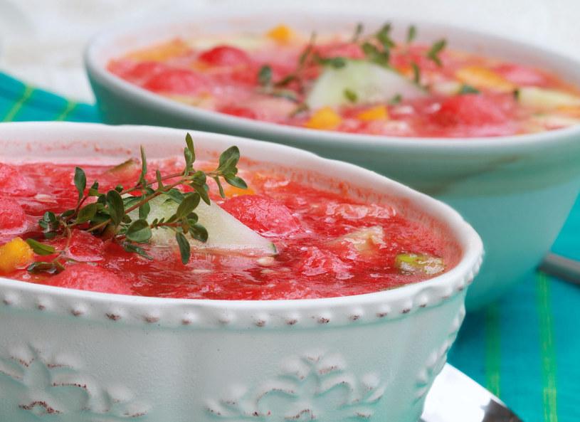 Taką zupą zaskoczysz gości /123RF/PICSEL