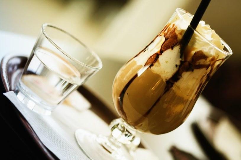 Taki napój to kawa i deser w jednym /©123RF/PICSEL